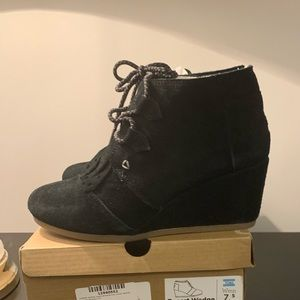 TOMS Desert Suede Faux Shearling Lined Bootie